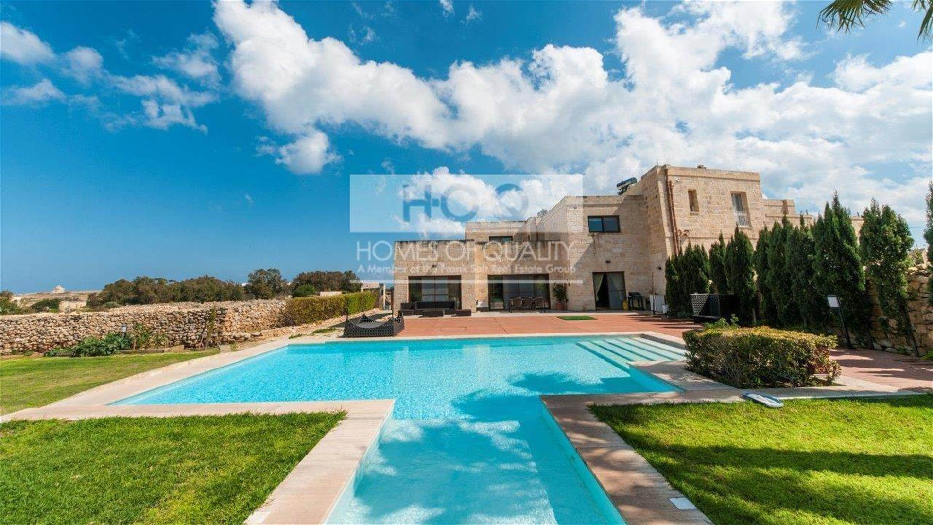 Beautiful Farmhouse Marsascala